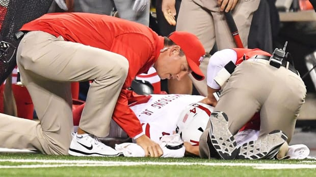 Nebraska QB Tommy Armstrong carted off field - IMAGE