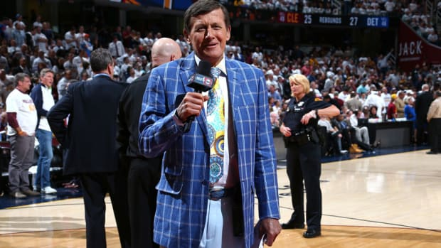 craig-sager-suits-shoes-sports-illustrated.jpg