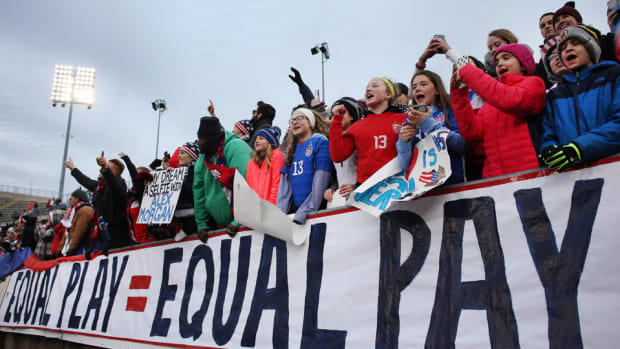 equal-pay-uswnt-usmnt.jpg