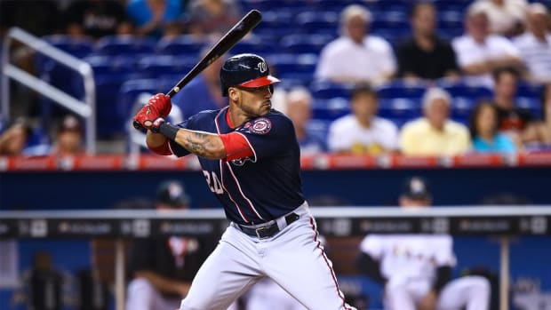 Ian Desmond signs 1-year deal with Rangers - IMAGE