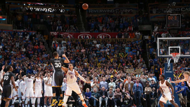 Steph Curry sets multiple NBA records in Golden State Warriors win - IMAGE