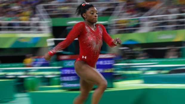 Simone Biles wins gold, Madison Kocian wins silver in individual apparatus finals - IMAGE