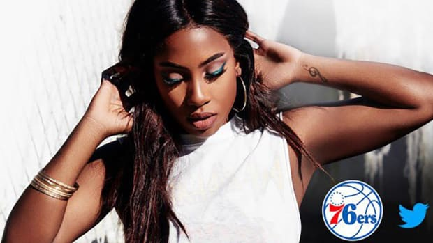 Singer says 76ers banned her from national anthem - IMAGE