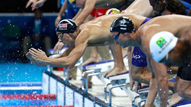michael-phelps-usa-swimming-freestyle-relay-gold-medal.jpg