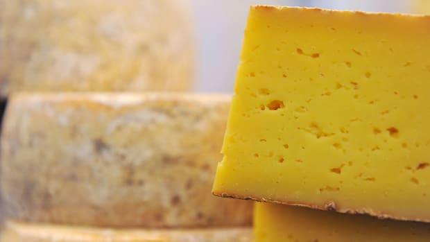 nhl-all-star-game-fan-fest-nashville-cheese-fountain.jpg