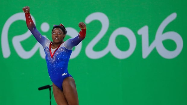 Simone Biles wins gold, Aly Raisman wins silver in floor exercise final - IMAGE