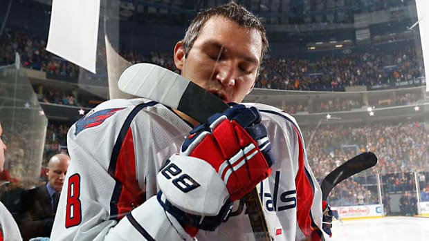 Alex-Ovechkin-stick-Wippert.jpg