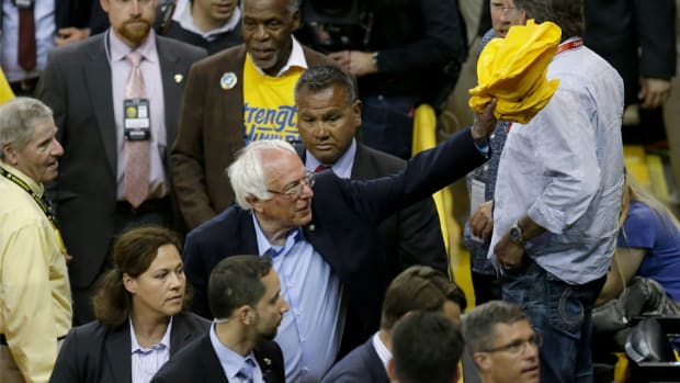 warriors-thunder-game-7-bernie-sanders-oakland.png