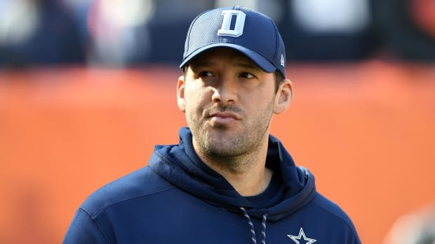 Tony Romo on Dak Prescott: 'He's earned the right to be our quarterback' - IMAGE
