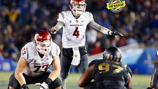 'The Messiah of the Palouse': From catering for the AD to breaking records, QB Luke Falk has come a long way