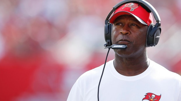 Report: Lovie Smith expected to be named Illinois head coach--IMAGE