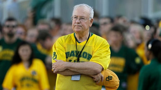 Baylor chancellor Ken Starr will resign - IMAGE