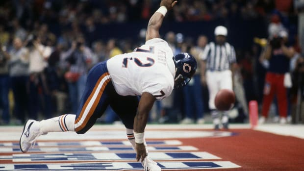 1986-0126-William-The-Refrigerator-Perry-touchdown.jpg