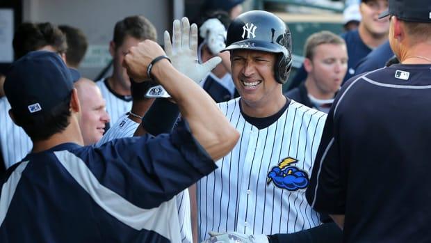 yankees-alex-rodriguez-bat-dog-home-run-minor-league.jpg