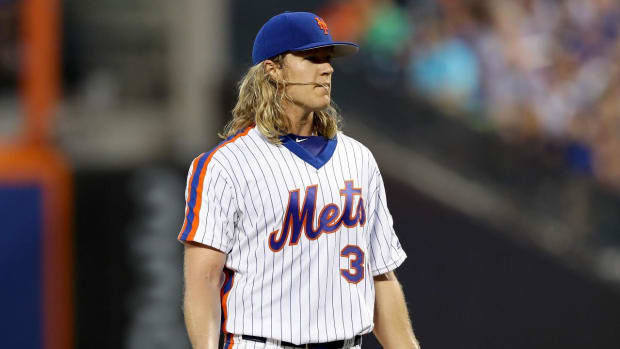 Noah Syndergaard ejected for pitch behind Chase Utley - IMAGE