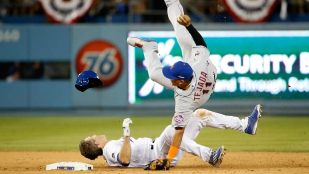 MLB, Union discussing rule change for slides - IMAGE