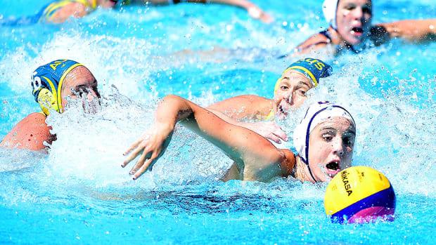 makenzie-fischer-water-polo.jpg