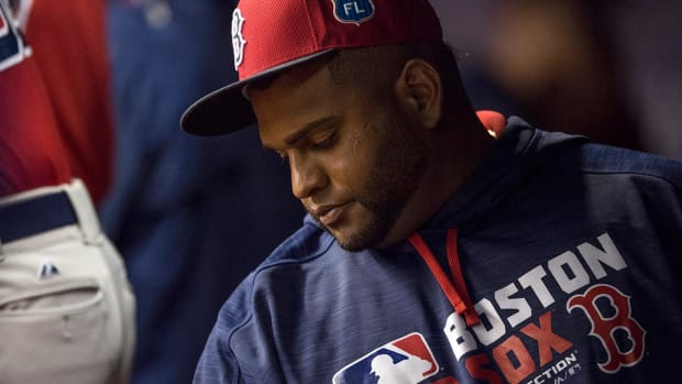 Red Sox 3B Pablo Sandoval to undergo shoulder surgery -- IMAGE