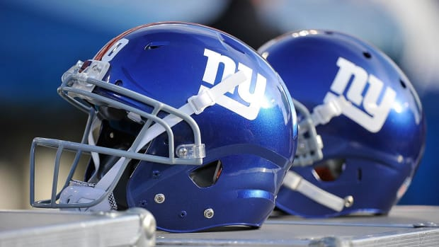 Giants players considering national anthem protest - IMAGE