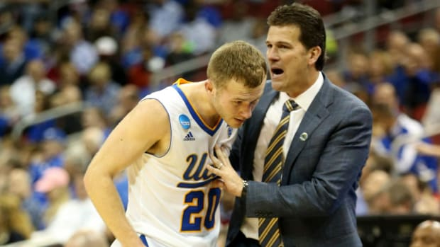 UCLA coach Steve Alford returns one-year contract extension - IMAGE