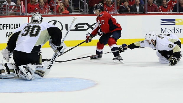 tj-oshie-penguins-capitals-game-1-overtime-hat-trick-960.jpg