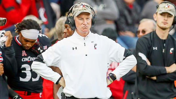 tommy-tuberville-resign-cincinnati-bearcats-football-coach.jpg