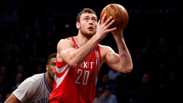 Rockets renounce rights to Donatas Motiejunas -- IMAGE