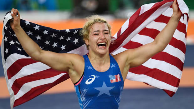Helen Maroulis becomes first American woman to win wrestling gold - IMAGE