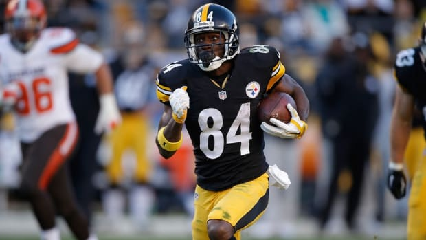 antonio-brown-steelers-training-camp-contract.jpg