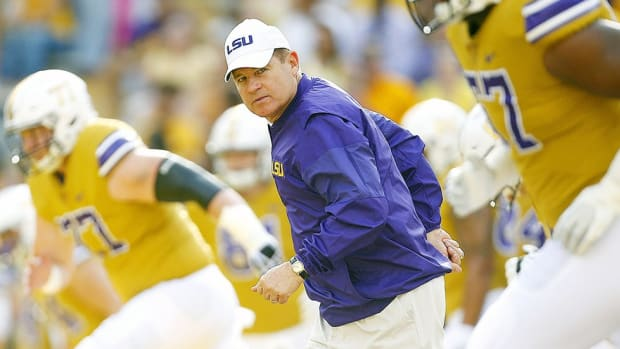 The Mad Hatter's next trick: Les Miles wants to win another championship, and he's willing to change to do it