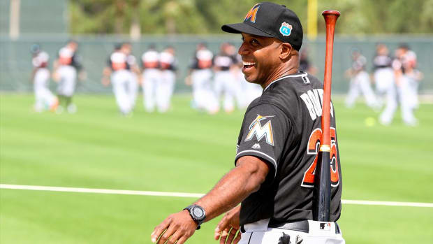 Barry Bonds beat the Marlins in a spring training home run derby--IMAGE