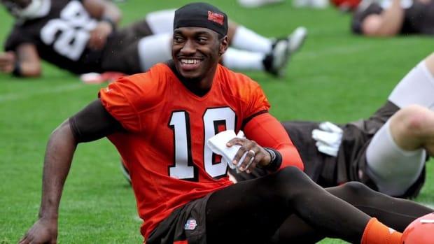 Browns name Robert Griffin III starting quarterback - IMAGE