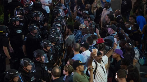 Panthers game on as scheduled amid Charlotte protests - IMAGE