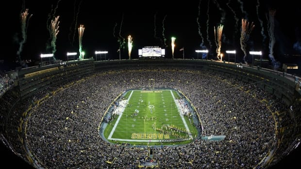 green-bay-packers-chicago-bears-whos-playing-tonight.jpg