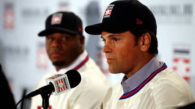 mike-piazza-ken-griffey-jr-hall-of-fame.jpg