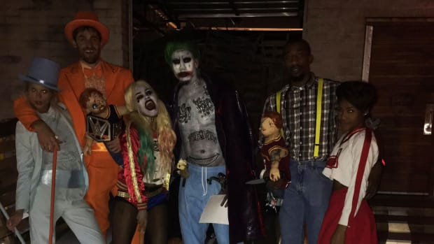 lebron-james-cavaliers-halloween-party-costumes-photo.jpg