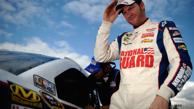 dale-earnhardt-jr-will-donate-brain.jpg