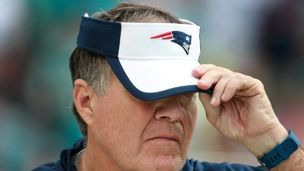 Bill Belichick showed up to press conference with black eye - IMAGE