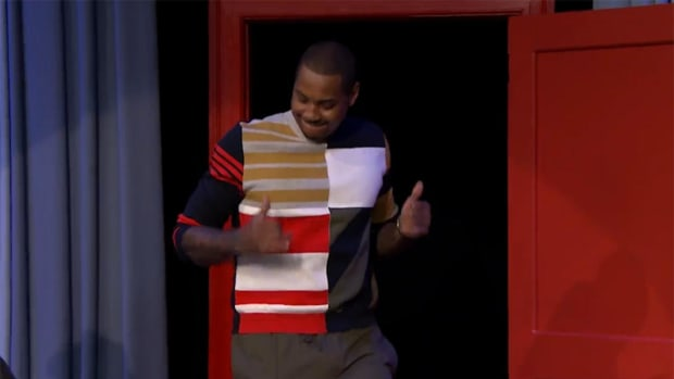 Carmelo Anthony shows off his Running Man with Jimmy Fallon -- IMAGE