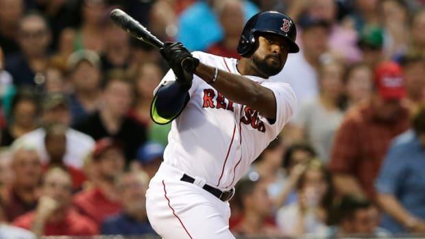 boston-red-sox-jackie-bradley-hitting-streak-snapped.jpg