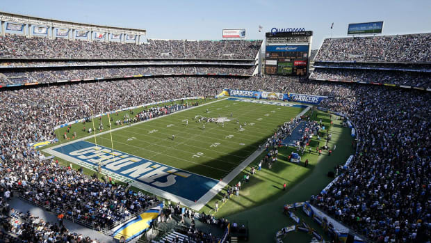 Chargers owner Dean Spanos says he is 'leaning' toward relocating to Los Angeles - IMAGE