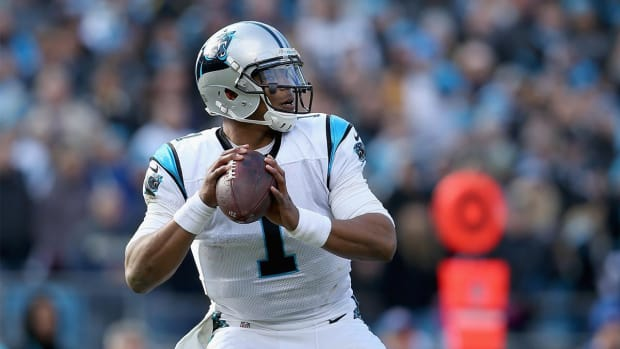 Warren Moon says he doesn't understand Cam Newton's critics IMAGE