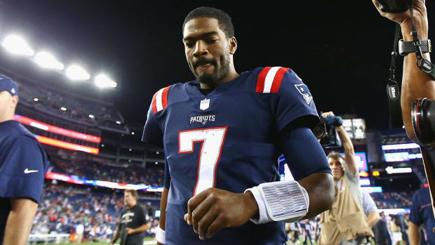 Patriots QB Jacoby Brissett has torn right thumb ligament - IMAGE