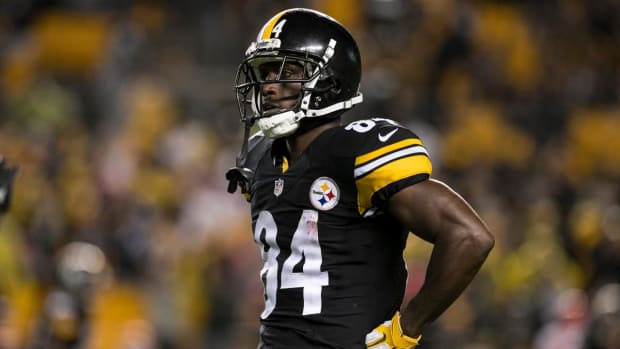 Report: Steelers WR Antonio Brown fined for touchdown dance--IMAGE