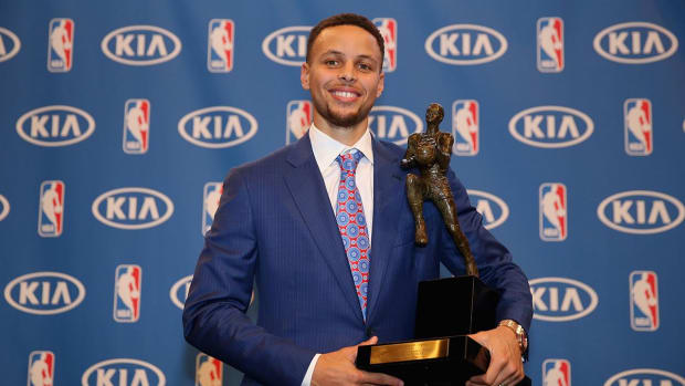 Gary Payton: Stephen Curry should not have been the NBA's first unanimous MVP IMAGE
