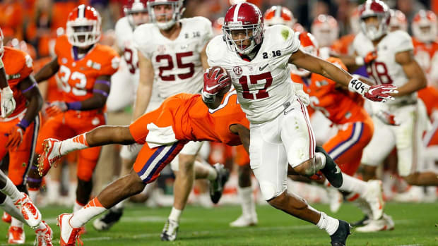 College football championship television ratings decrease - IMAGE