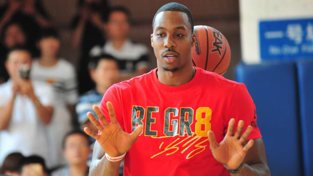 dwight-howard-hawks.jpg
