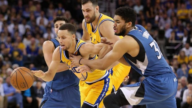 Warriors drop stunner to Timberwolves, history in jeopardy - IMAGE