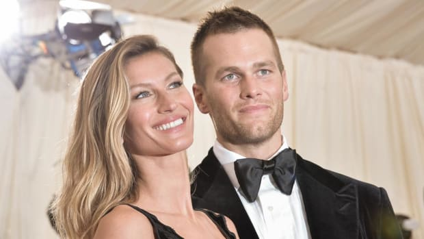 Tom Brady's wife doesn't want him talking politics - IMAGE
