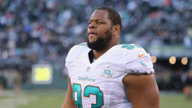 miami-dolphins-angry-ndamukong-suh-minicamp.jpg